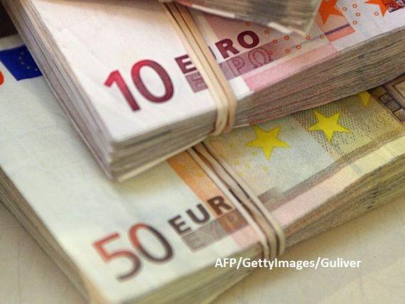 Euro scade și aurul se ieftinește, după calmarea situației din Orientul Mijlociu