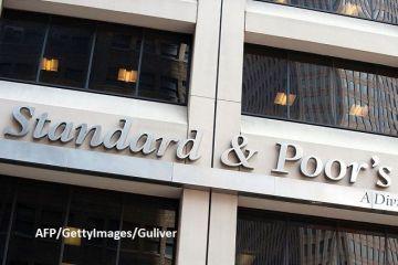 Standard  Poor s a reconfirmat ratingul României la  BBB-/A-3  recomandat pentru investiții, dar cu perspectiva negativă. Agenția estimează că economia se va contracta cu 5,5% în 2020