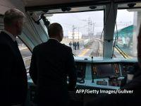 Putin,  mecanic de locomotivă . Liderul de la Kremlin a inaugurat linia ferată care leagă Crimeea de Rusia continentală din cabina primului tren care a parcurs-o