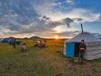 Primii pământeni care plătesc prețul schimbărilor climatice. Topirea ghețurilor pune în pericol viața unei comunități de crescători de reni din Mongolia