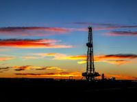 Prețul petrolului continuă să crească, pe fondul tensiunilor dintre SUA și Iran. Barilul depășește pragul de 70 de dolari