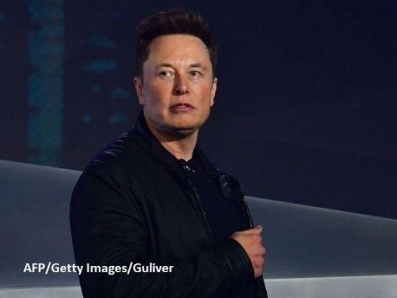 Elon Musk a pierdut marți peste 16 mld. dolari, cel mai sever declin înregistrat într-o singură zi în istoria indicelui Bloomberg. Acţiunile Tesla continuă să scadă