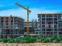Numărul autorizaţiilor de construire pentru clădiri rezidenţiale a scăzut cu peste 12% în primele şase luni