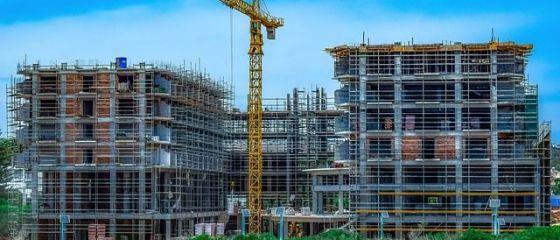 Analiză: Creșterea plafonului la  Prima Casă  și garanţia  atât de confortabilă  oferită de stat vor duce la creşterea artificială a preţurilor