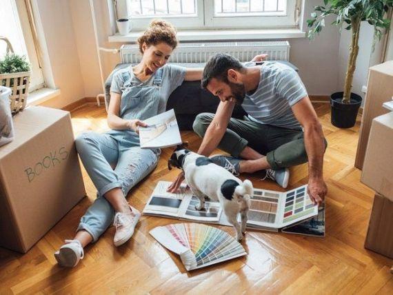 Românii sunt cei mai interesați dintre europeni să economisească pentru a-și cumpăra o casă. 1 din 4 anticipează că vor face achiziția până la 34 de ani