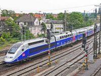 Funcționarii publici francezi, obligați să meargă cu trenul, în locul avionului. De ce a luat Guvernul această decizie