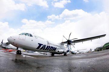 Tarom suspendă toate zborurile interne și pe cele spre Franța și Germania, pentru 14 zile