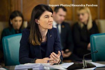 Ministrul Muncii propune înlocuirea alocației de stat cu un sistem de vouchere care să încurajeze școlarizarea:  Alocațiile copiilor se mai joacă şi la păcănele