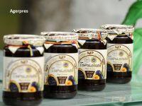 Toponimul Topoloveni, cunoscut în special datorită magiunului de prune, a devenit marcă înregistrată la OSIM, pentru a împiedica falsificarea
