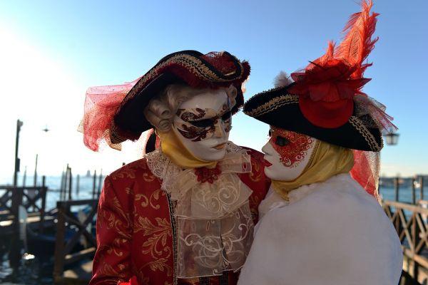 Autoritățile au anulat Carnavalul de la Veneția, din cauza rapidității cu care se extinde epidemia cu coronavirus. Patru oameni au murit în Italia. Foto: AFP/Getty Images/Guliver