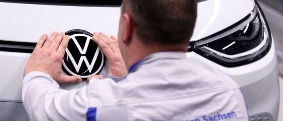 Volkswagen renunță la modele alimentate cu gaze naturale:  Trebuie să ne concentrăm pe vehiculele electrice