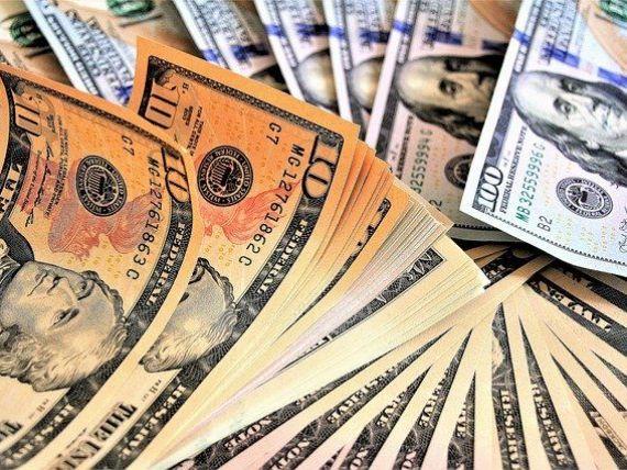 Analiză: Cea mai mare economie a lumii se va contracta cu 30% în trimestrul al doilea şi cu 5% pe tot anul 2020