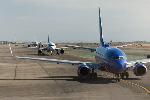 Companiile aeriene încep să reia cursele din și către România. De când se va putea zbura spre Europa și ce reguli trebuie să respecte pasagerii