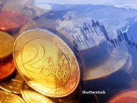 Euro a urcat la maximul ultimelor trei luni faţă de dolar, după anunțul BCE privind suplimentarea programului de stimulare a economiei