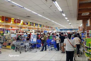 Analiză: Vânzările de retail au crescut cu peste o treime de când COVID-19 a ajuns în România. Cum s-au adaptat românii la viața în carantină