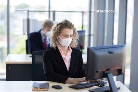 Angajații români se tem mai mult de recesiune și de faptul că vor rămâne fără loc de muncă decât de infectarea cu coronavirus. Cât de afectați sunt agajatorii