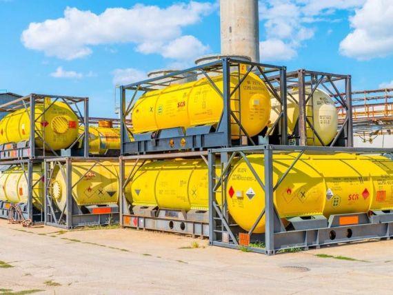 Chimcomplex lansează producţia de biocid recomandat de OMS în lupta cu COVID-19. Compania va livra pentru început 1.000 tone/judeţ