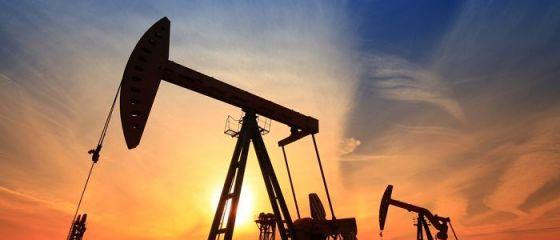 Petrolul a încheiat luna mai cu creşteri istorice, pe măsură ce economiile se deschid după pandemie și cererea se redresează