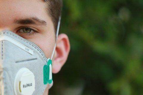 Studiu Ipsos: Criză sanitară sau catastrofă economică? Cum percep românii pandemia cu coronavirus și ce temeri legate de viitor au