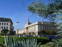 Deputaţii şi miniştrii bulgari îşi donează salariile sistemului public de sănătate, o sumă totală de 750.000 euro. Țara vecină se așteaptă la o contracție economică de 3%