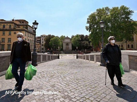 Italia se confruntă cu cea mai gravă recesiune de după război. Moody s amenință Roma cu retrogradarea, dacă nu folosește eficient resursele de la UE