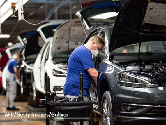 Pornesc motoarele Europei. Producătorii auto, contributori importanți la PIB-ul european, reiau producţia, cu măsuri sporite de protecție a angajaților