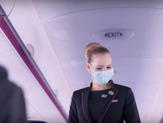 Cum vom zbura cu avionul pe timp de pandemie. Wizz Air introduce obligativitatea purtării măștilor și asigură distanțarea între pasageri