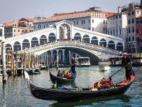Turismul mondial a pierdut aproape jumătate de trilion de euro, din cauza pandemiei. Cel mai puternic declin al turiștilor, în Asia și Europa