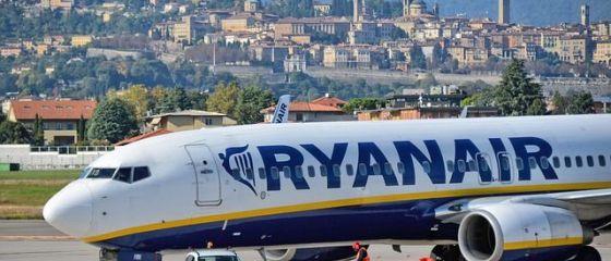 Ryanaiar, cel mai mare low-cost european, a transportat în iulie 4,4 mil. pasageri, cu 70% mai puțini față de anul trecut