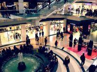 Retailerii nealimentari din mall-uri ameninţă că nu deschid magazinele, supărați că proprietarii centrelor comerciale le cer chirie pentru perioada stării de urgență