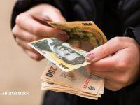 Trei din zece români câştigă mai puţin cu 30%, față de perioada anterioară pandemiei. Salariul mediu net a coborât la 3.182 lei, în aprilie