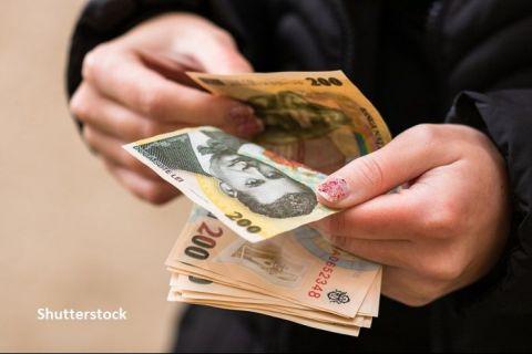 Câți bani câștigă românii pe lună și pe ce îi cheltuiesc. Venitul mediu lunar a fost sub 380 de euro de persoană, anul trecut