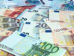 Leul s-a depreciat marți în raport cu euro, dar a crescut față de dolar
