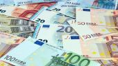 Leul s-a depreciat, vineri, în raport cu euro. BNR: Cursul s-a menţinut cvasistabil în primele două luni din T3, dar în septembrie a cunoascut două episoade de creştere mai accentuată