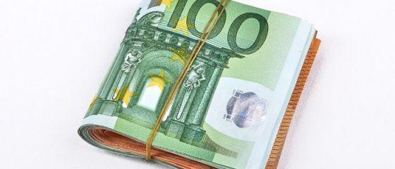 Analiză: Salariile în România sunt mult mai scăzute decât productivitatea.  Nu se pune problema ca majorările salariale să ameninţe activitatea economică