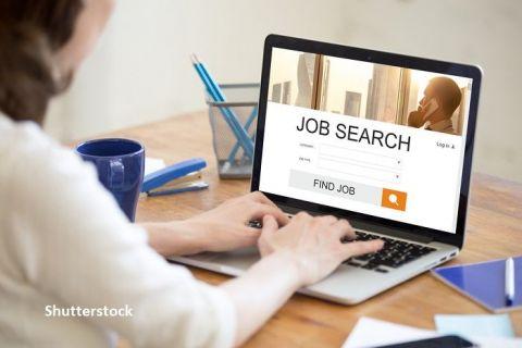 Numărul celor care și-au căutat de muncă în mai a crescut cu peste 50% față de luna precedentă.  Job-ul vedetă  care a strâns peste 2.300 aplicări