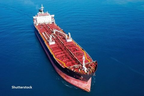Încălzirea globală creează noi rute de transport maritim. Gazprom Neft a trimis primul tanc petrolier spre China via ruta arctică