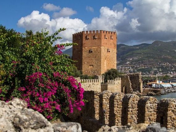 Agenţii de turism, gata să reînceapă excursiile în străinătate. Când pleacă primele chartere către Turcia, Grecia, Egipt și Tunisia