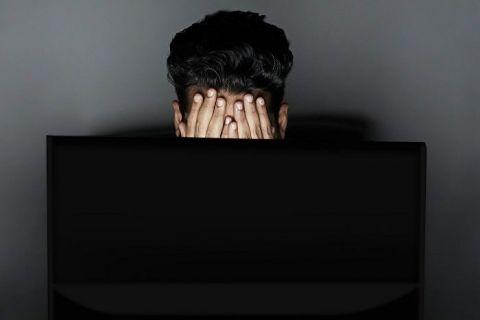 Franța recunoaște oficial sindromul  bore-out . O companie, obligată să plătească 50.000 de euro unui fost angajat, pentru că l-a lăsat să se plictisească