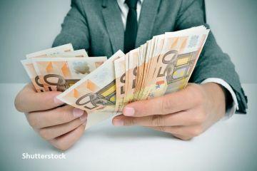 Europenii au pus la saltea bani pentru zile negre, înaintea pandemiei. Rata de economisire în UE a înregistrat o creștere record, în T1