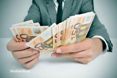 Europenii ţin miliarde de euro la saltea și pun în pericol relansarea economică pe continent. Depozitele au crescut masiv în țările cel mai grav lovite de COVID-19