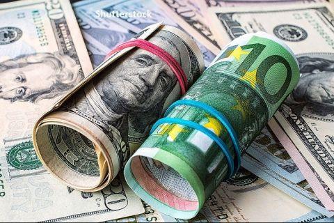 """Europa se """"dedolarizează"""". Comisia Europeană vrea să crească rolul internaţional al monedei euro și să se rupă de dolarul american și de alte centre financiare"""