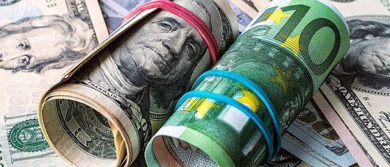 Euro, la cel mai ridicat nivel din 2018, pe fondul incertitudinii politice din SUA, care a afectat cotația dolarului