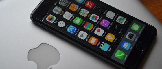 Apple ar putea transforma iPhone-ul în terminal pentru plăţi directe, după achiziția unui start-up de plăţi mobile prin NFC