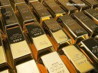 """Rusia se """"dedolarizează"""" și investește masiv în aur. Ponderea metalului prețios în rezervele țării este mai mare decât cea a dolarului american, pentru prima dată în istorie"""