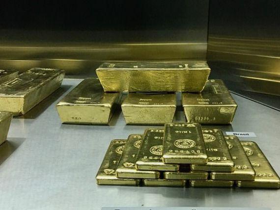 Prețul aurului atinge o nouă valoare record în România. Leul se apreciază în raport cu euro și dolarul