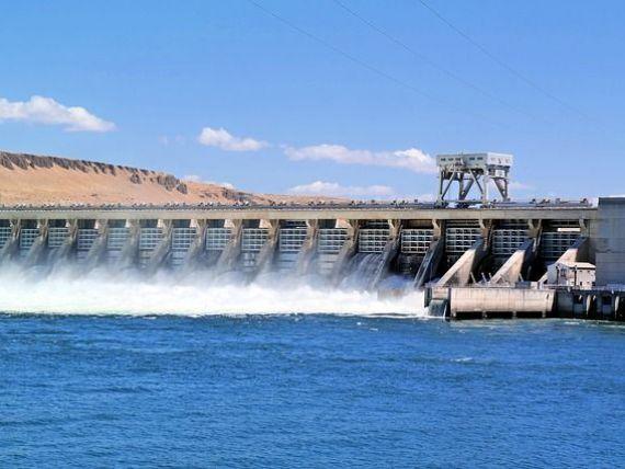 Ploile abundente produc energie. Hidroelectrica asigură peste jumătate din producţia de electricitate a ţării, luni dimineaţa