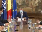 Klaus Iohannis discută, la Cotroceni, cu premierul, ministrul Finanțelor si cu cel al Economiei despre criza economică generată de pandemie