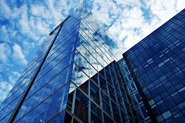 În anul în care românii au lucrat de acasă, segmentul cel mai activ pe piața imobiliară a fost cel de birouri. Investiţiile în active imobiliare în 2020 au ajuns la 914 mil. euro, în creștere cu 28%