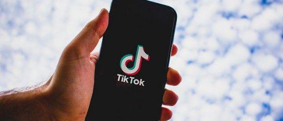 Microsoft primește undă verde de la Donald Trump pentru a relua negocierile pentru achiziţia platformei chineze TikTok